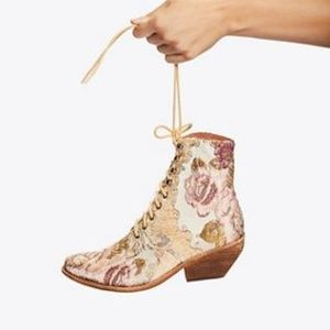 Jeffrey Campbell Grove Lace-Up Western Boots